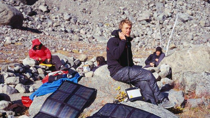 Leo-Asgard-Solar-Sat-Phone